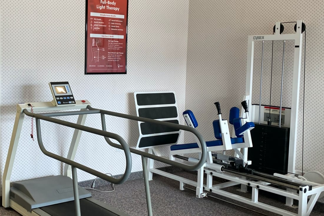 Physicaly therapy office and equipment