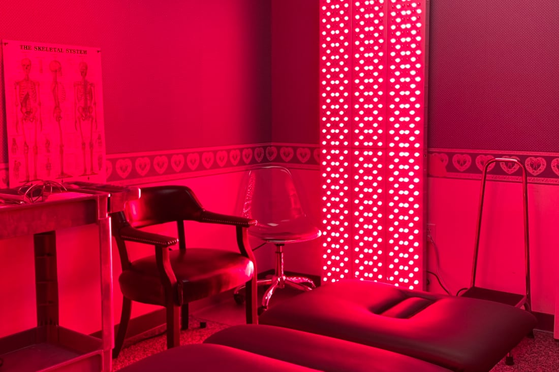 Joovv red light therapy room in Koth Therapy & Fitness office.