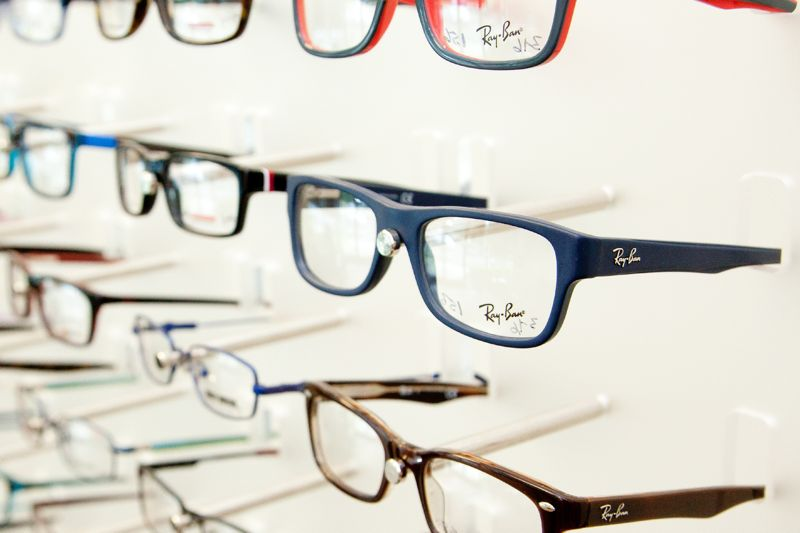 eyeglasses-side-angle