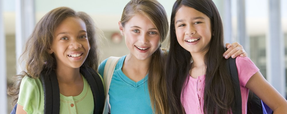 Adolescent Scoliosis, AIS, Girls with scoliosis